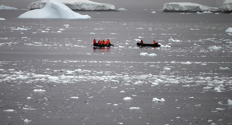 L'amincissement des plates-formes glaciaires agit sur les glaciers