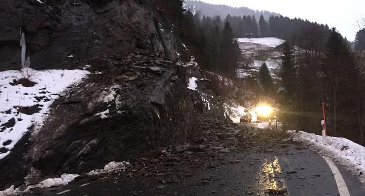 Valais: la route des Crosets coupée suite à un éboulement