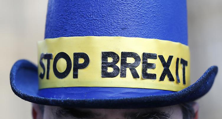Plus de la moitié des Britanniques veulent rester dans l'UE