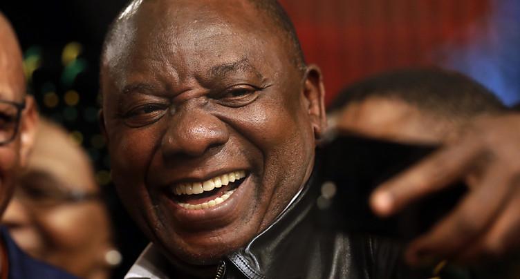 Le vice-président sud-africain Cyril Ramaphosa élu chef de l'ANC