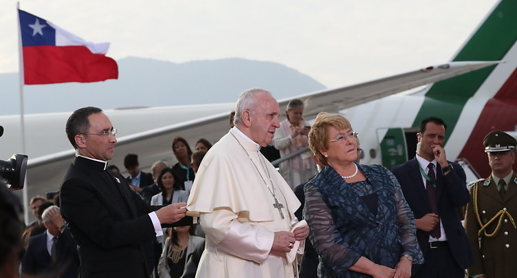 Le pape François a atterri dans la capitale chilienne
