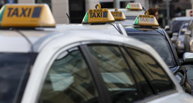 Taxis sur les voies de bus - Pierre Maudet lâche du lest