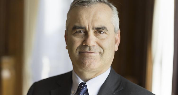 Credit Suisse va biffer environ 300 postes, dit Thomas Gottstein