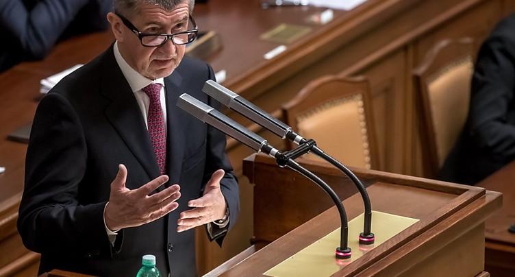 Démission du gouvernement tchèque qui reste en place à titre intérimaire