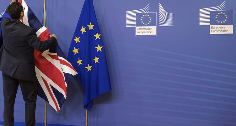 Les députés adoptent la loi de retrait de l'UE avant son examen