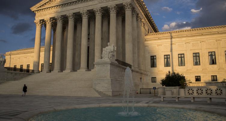 Etats-Unis: la Cour suprême va examiner le décret anti-immigration de Trump