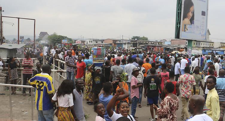 La police disperse des marches interdites à Kinshasa
