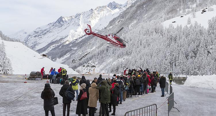 Plusieurs localités évacuées en Valais - Zermatt coupée du monde
