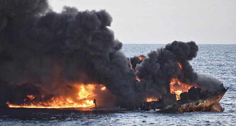 En 4 jours, la marée noire a triplé de taille en Mer de Chine