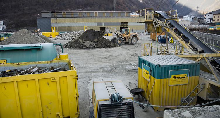 L'électrolyse d'aluminium a pollué le sol à Chippis (VS)