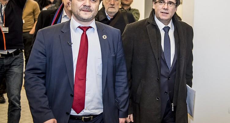 Madrid décidé à empêcher un retour secret de Puigdemont même en ULM