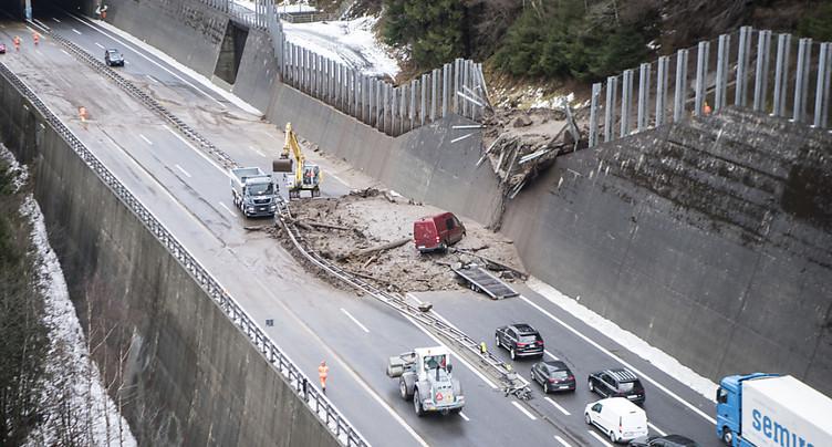Autoroute du Gothard: trafic restreint après la coulée de boue