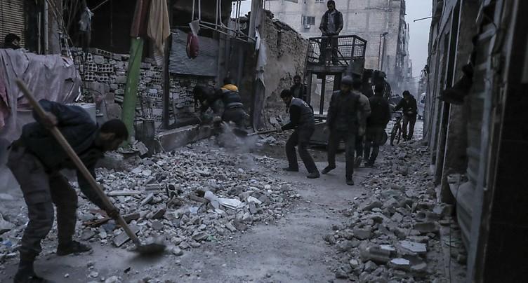 L'aviation syrienne pilonne un fief rebelle, au moins 18 morts