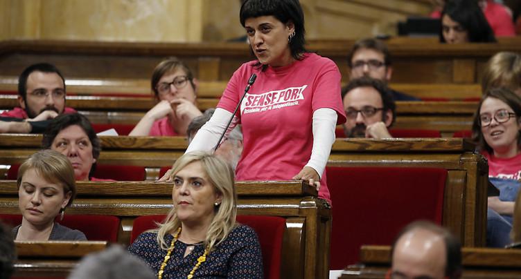 Mandat d'arrêt lancé contre la députée catalane Anna Gabriel
