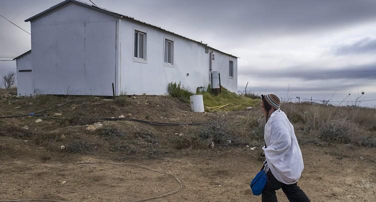 Israël installe les maisons d'une nouvelle colonie