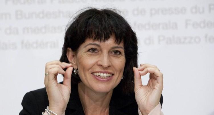 La ministre des transports veut toute la lumière sur CarPostal