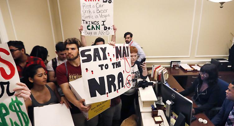 Les fabricants d'armes et la NRA sous pression