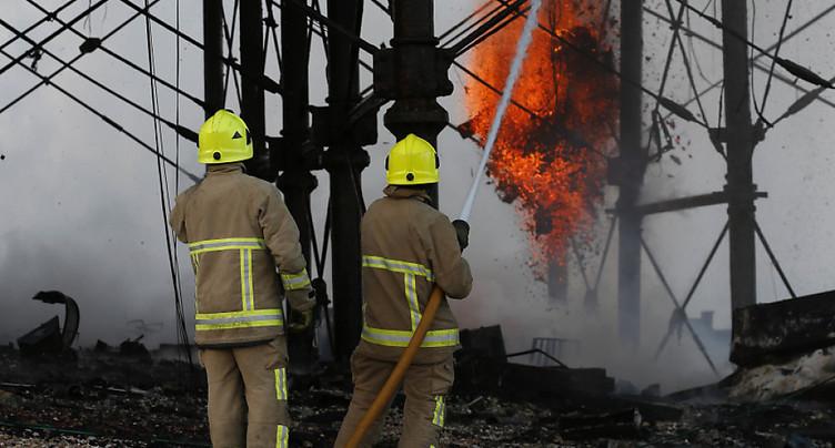 Importante explosion à Leicester dans le centre de l'Angleterre