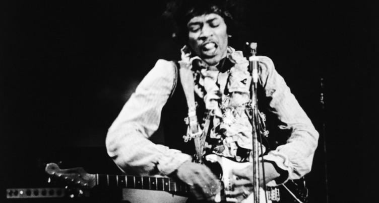 Jimi Hendrix dévoile ses derniers trésors dans un nouvel album posthume