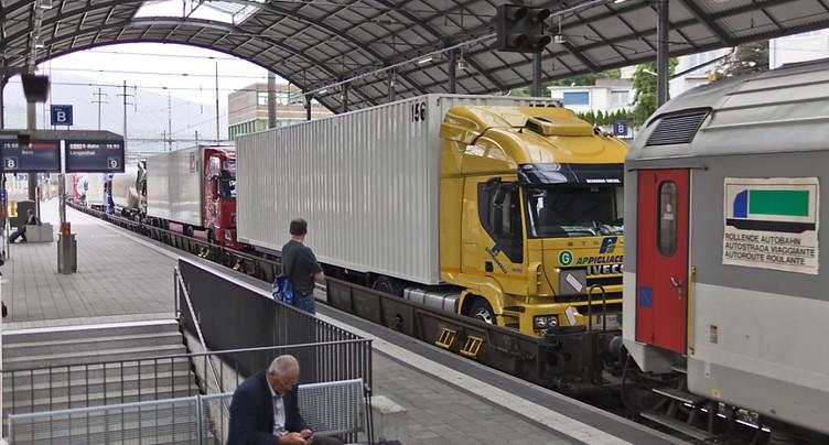 Moins d'un million de camions ont franchi les Alpes en 2017