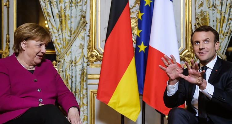 Enfin stabilisée au pouvoir, Merkel vient à Paris parler d'Europe