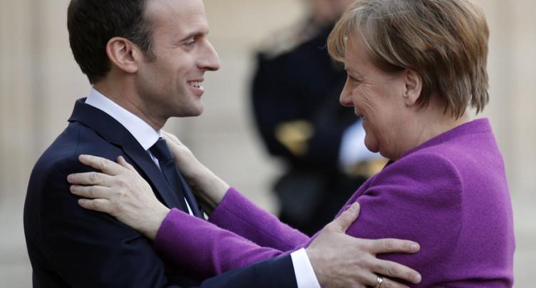 Macron propose à Merkel une « feuille de route claire et ambitieuse »