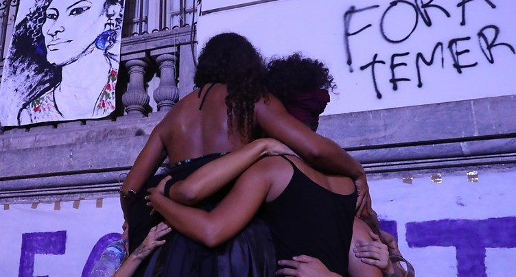 Le Brésil encore sous le choc après l'assassinat d'une élue noire