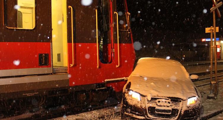 Quatre blessés dans une collision entre une voiture et un train