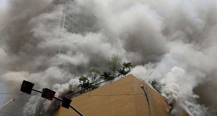 Philippines: trois morts, deux disparus et 23 blessés dans l'incendie d'un hôtel