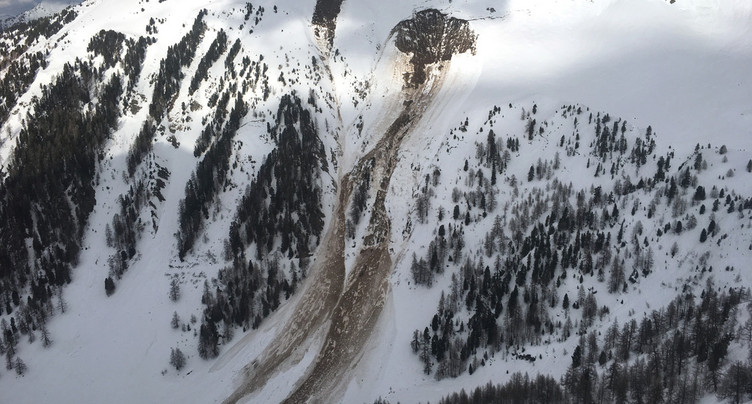 Le corps d'un des deux skieurs disparus a été retrouvé en Valais