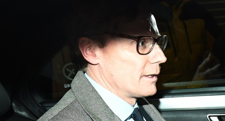 Scandale Facebook: Cambridge Analytica suspend son patron