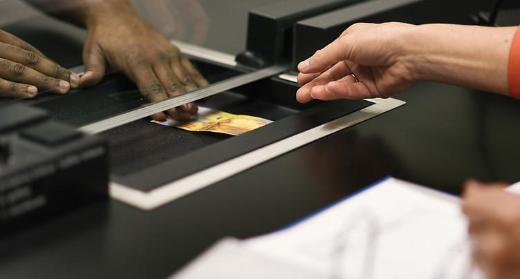 Aide d'urgence: nouvelle procédure critiquée à Genève