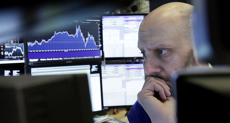 Wall Street plonge à la clôture après des sanctions contre la Chine