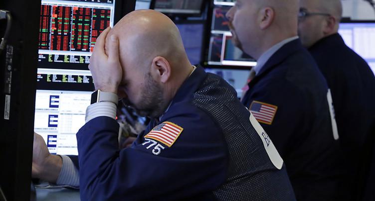Wall Street termine une semaine éprouvante en forte baisse
