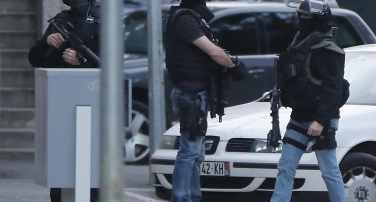 Attentat en France: décès du gendarme qui avait remplacé des otages