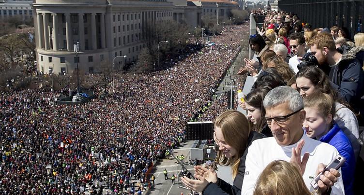 Des milliers d'Américains opposés aux armes à feu manifestent