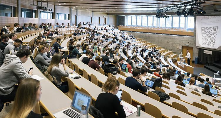 Jeunes adultes en Suisse: la formation tertiaire en vaut la peine