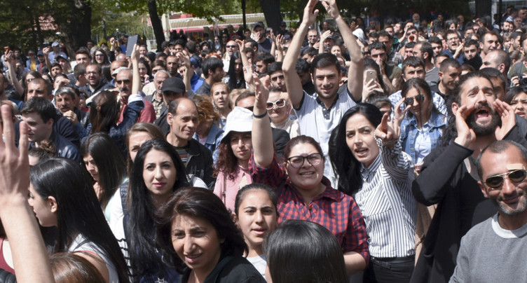 Arménie : nouvelles manifestations, des dizaines d'interpellations