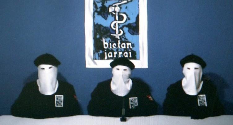 Espagne: l'organisation basque ETA demande pardon pour le « mal » causé