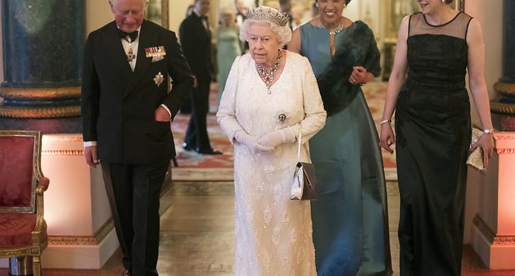 Charles succédera à Elizabeth II à la tête du Commonwealth