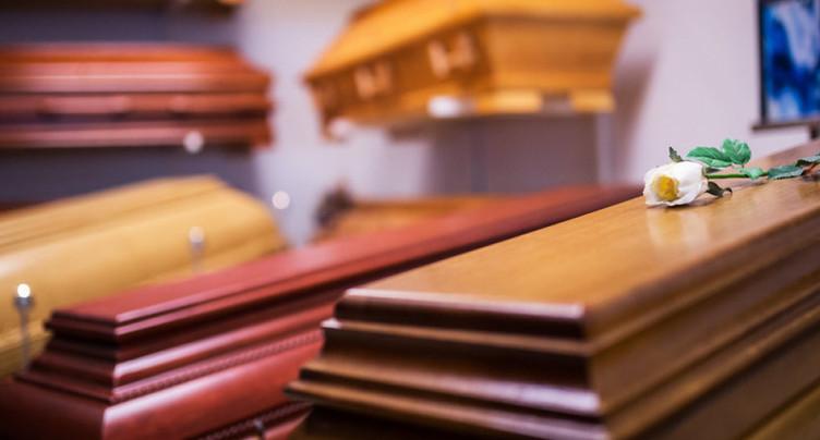 Il avait fait croire aux pompes funèbres qu'il avait tué sa femme