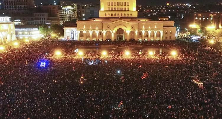 Les étudiants manifestent dans les rues d'Erevan