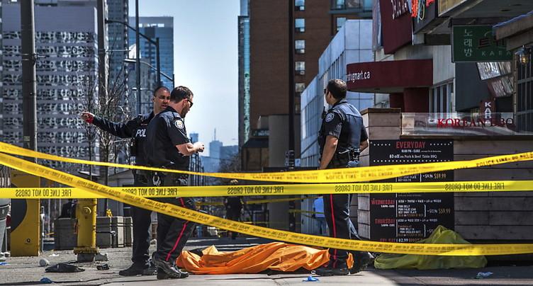 Une camionnette renverse une dizaine de piétons à Toronto (police)
