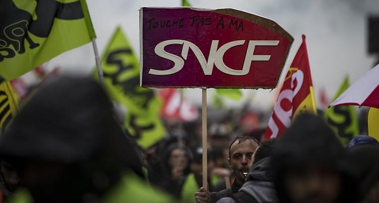 Grève SNCF: Matignon donne rendez-vous aux syndicats le 7 mai