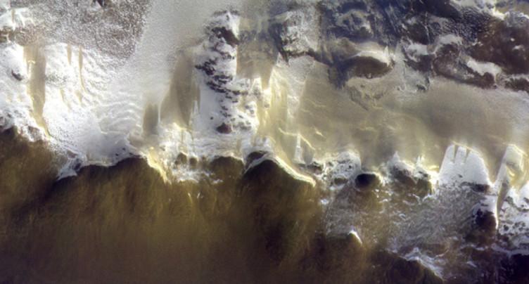 La caméra bernoise CaSSIS livre des photos couleurs de Mars