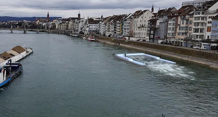 Une vague artificielle pour surfer sur le Rhin à Bâle