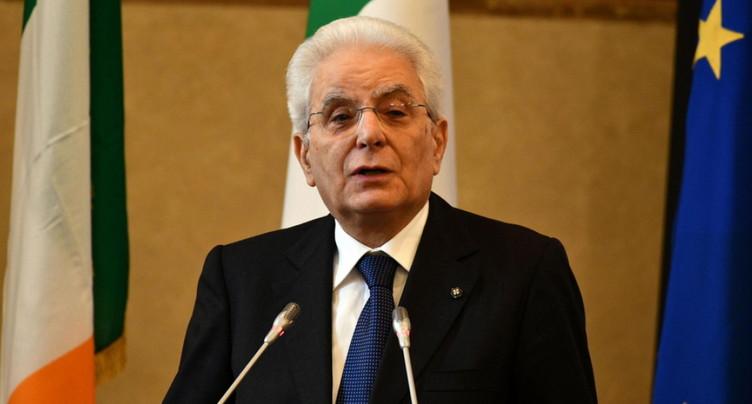 Le président italien prend une journée de réflexion sur le gouvernement