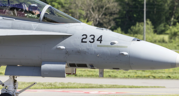 Les 8 milliards pour la défense aérienne soumis au référendum