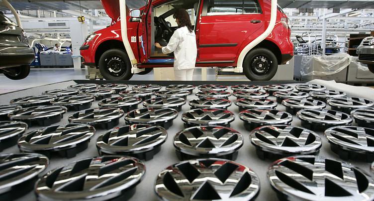 Trump ouvre une enquête sur les importations de voitures aux USA