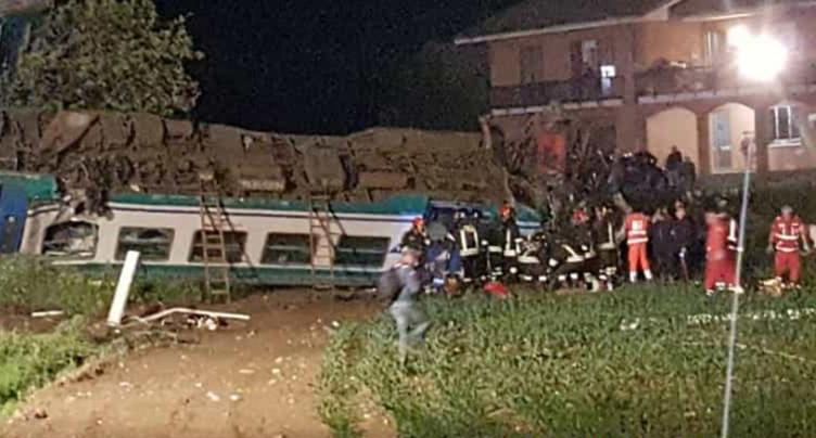 Deux morts et 18 blessés dans un accident de train en Italie